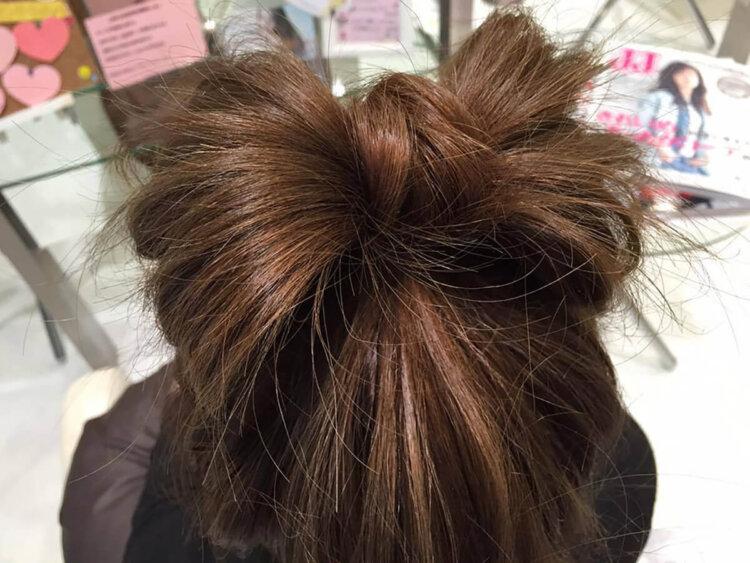 ミディアムヘアの成人式写真の髪型はおろす?アップ?セルフでできる髪型カタログ5