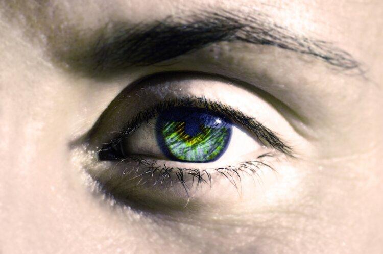 男の成人式写真は「眉毛」を整える!デザインと正しいメイク方法を紹介1