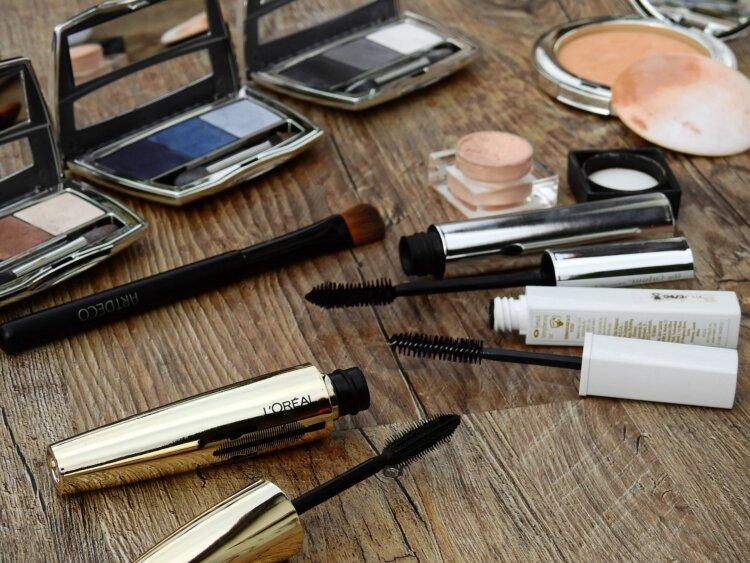 男の成人式写真は「眉毛」を整える!デザインと正しいメイク方法を紹介3