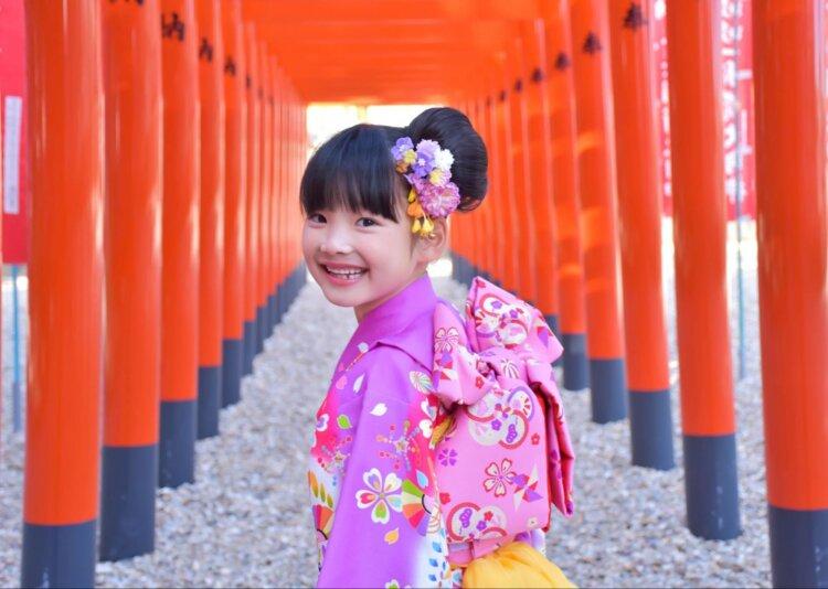 7歳の七五三写真はお姉さん風日本髪できまり!セット方法や髪飾りを紹介1