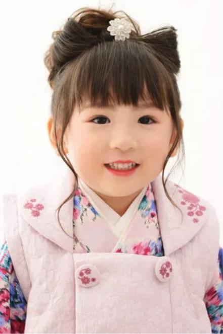 3歳の七五三写真の日本髪!桃割れと現代風の日本髪のセット方法を紹介8