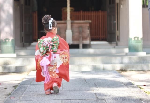 3歳の七五三写真の日本髪!桃割れと現代風の日本髪のセット方法を紹介1