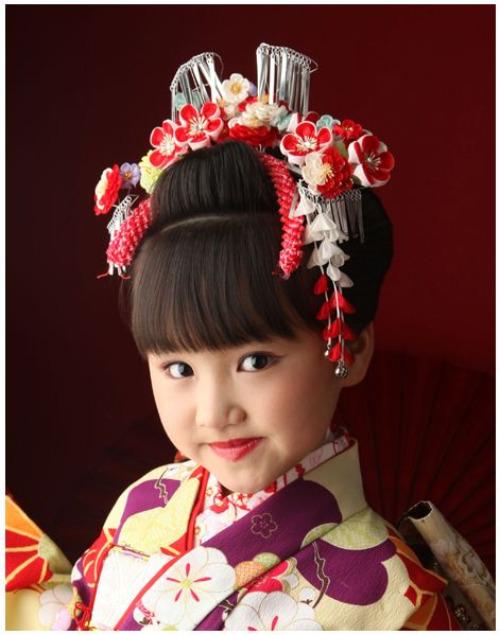 7歳の七五三写真はお姉さん風日本髪できまり!セット方法や髪飾りを紹介3