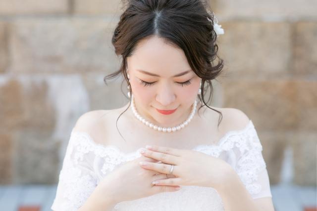 """フォトウェディングで花嫁に人気の""""前髪あり""""スタイル集10"""