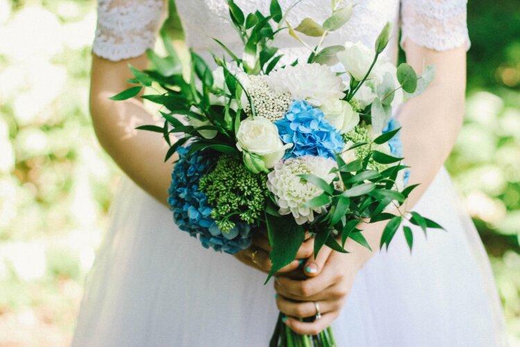 フォトウェディングの花嫁アイメイクはまつげ&アイシャドウの色選びが重要2