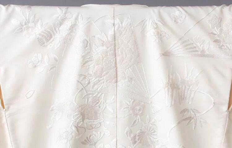 フォトウェディングの白無垢の違いは?色味・生地・織り方・柄から選ぶ14