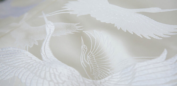 フォトウェディングの白無垢の違いは?色味・生地・織り方・柄から選ぶ6