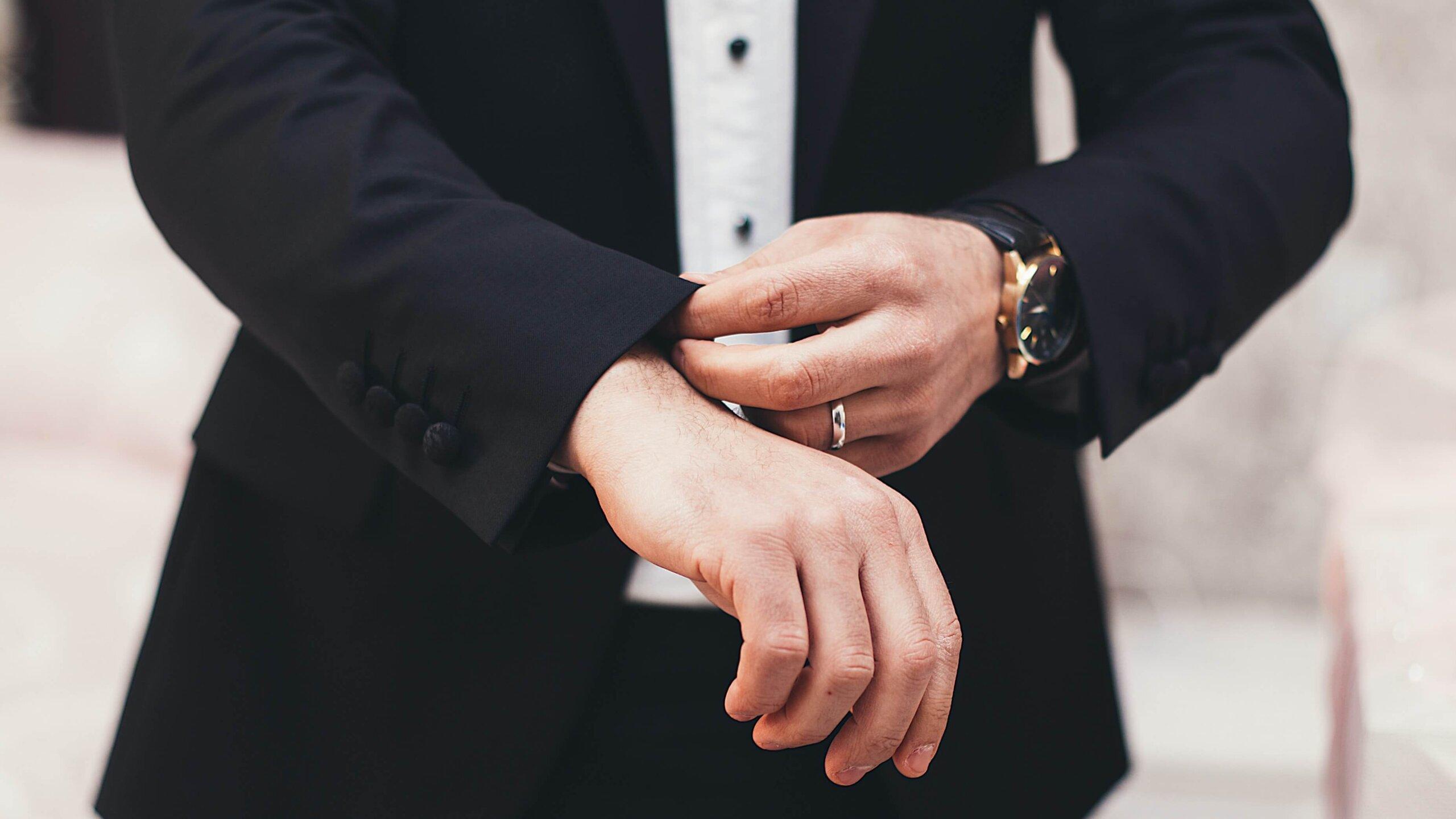 男性が成人式写真で格好がつくポーズとは?おすすめのポーズを紹介