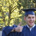 男の卒業写真の撮り方とは?衣装からポーズや撮影手段も解説