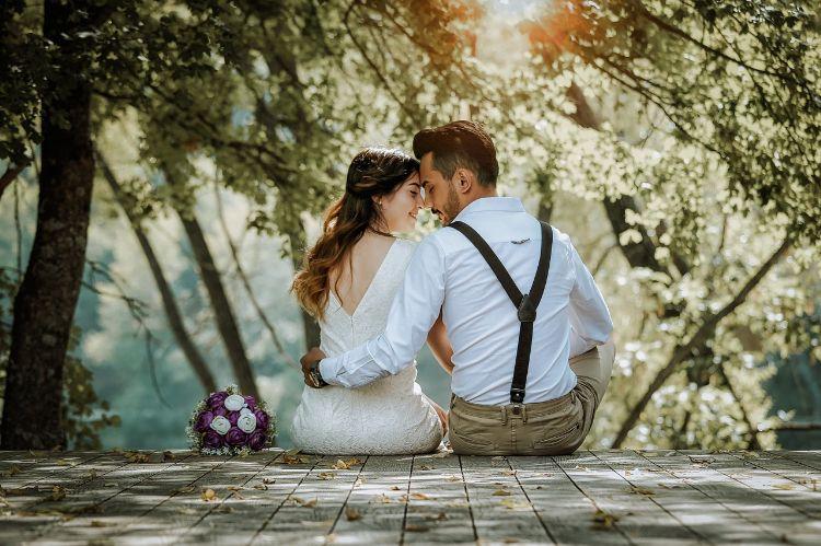 フォトウェディングでハーフアップは地味?花嫁に人気のアレンジ&髪飾り1