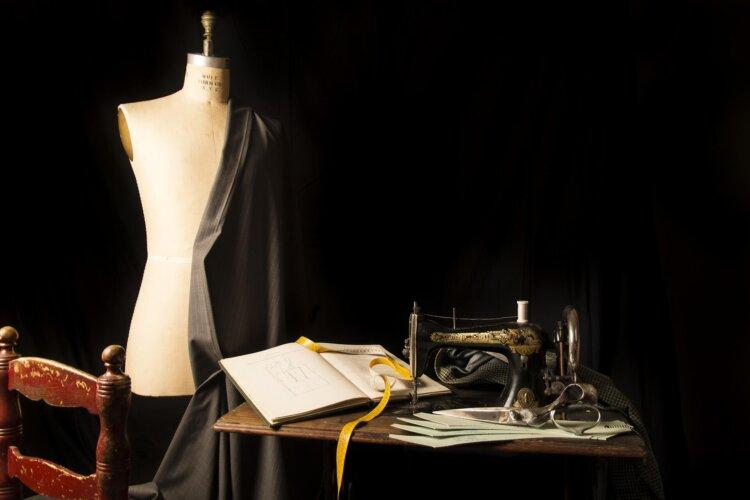 卒業写真に女性がスーツはNG?写真撮影に適したスーツを紹介3