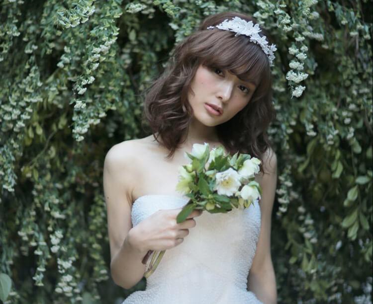 フォトウェディングで花嫁に人気のダウンスタイル集&ヘアアクセサリー13