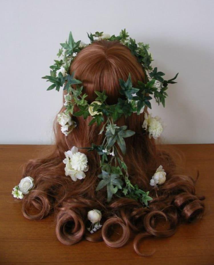"""フォトウェディングは""""花冠""""が人気!花の種類・花言葉・色・髪型を紹介19"""