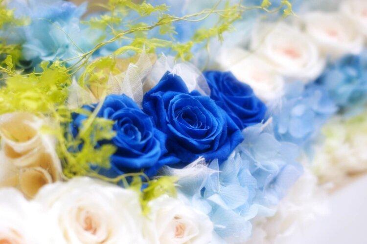 遺影写真を飾る花のおすすめは?種類から色まで紹介13