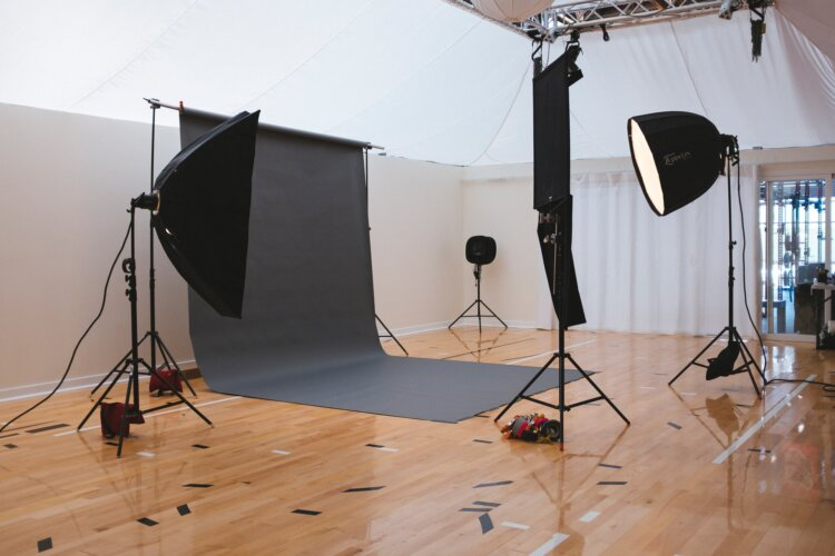 宣材写真の撮り方をカメラマンが徹底解説!男女別に売れるコツを紹介10