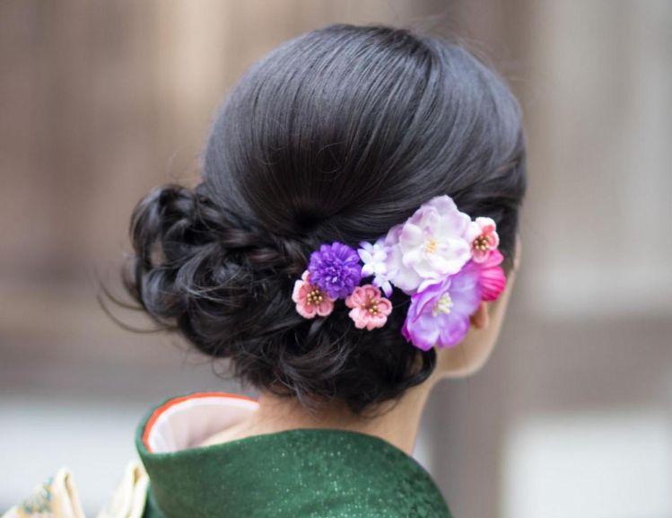 フォトウェディングはアップヘアが花嫁に人気!髪型や髪飾りを紹介6