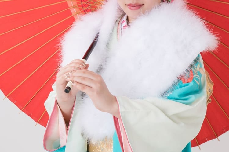 【成人式写真の服装事情を解説!男女別に衣装種類や家族の服装も紹介5