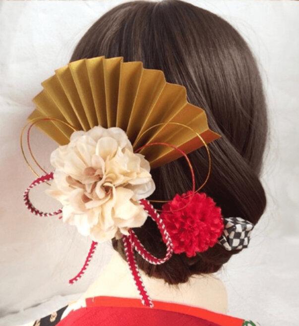"""成人式写真でショートはだめ?振袖×ショートの髪飾りと簡単アレンジを紹介_14"""" width="""