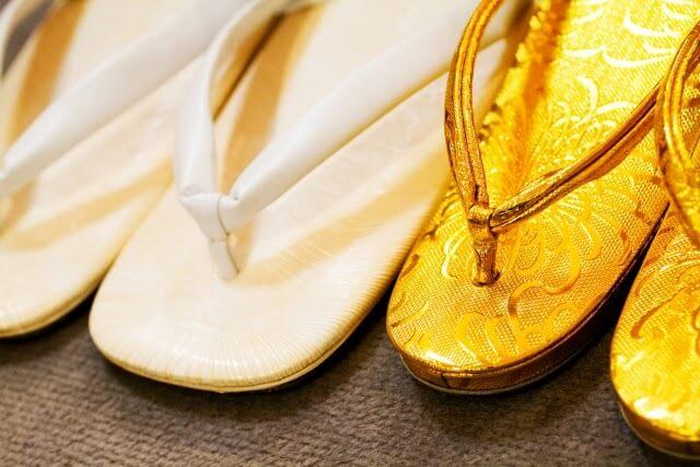 卒業袴写真ではブーツと草履どちらがおすすめ?丈の違いや相場まで解説12