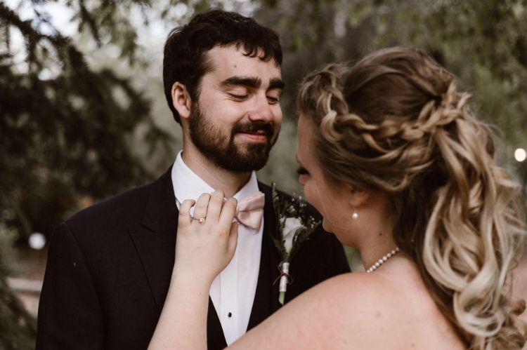 フォトウェディングでハーフアップは地味?花嫁に人気のアレンジ&髪飾り7
