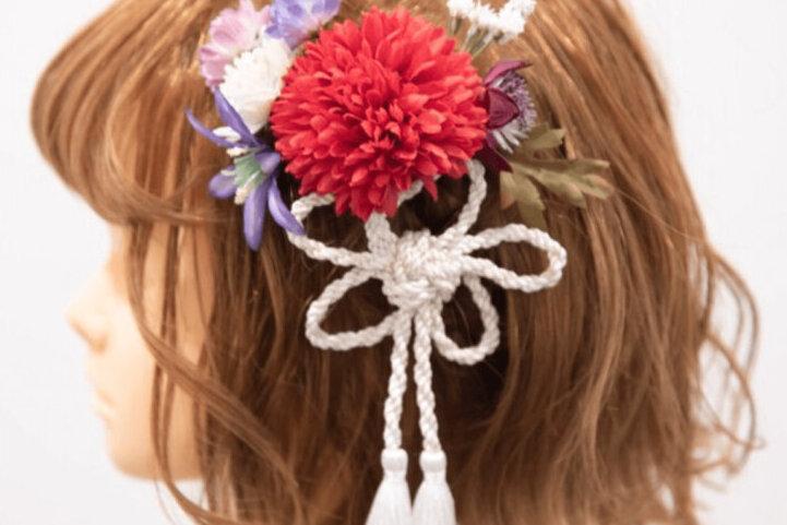 """成人式写真でショートはだめ?振袖×ショートの髪飾りと簡単アレンジを紹介_18"""" width="""