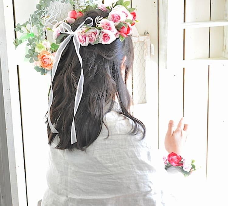 """フォトウェディングは""""花冠""""が人気!花の種類・花言葉・色・髪型を紹介5"""