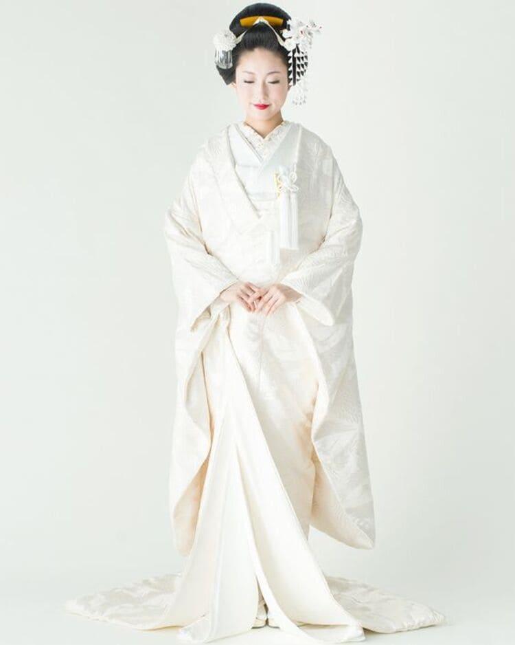 和装×花嫁のフォトウェディングの髪飾りは?白無垢・色打掛に人気の髪飾りを紹介11