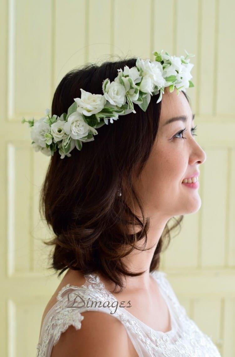 """フォトウェディングは""""花冠""""が人気!花の種類・花言葉・色・髪型を紹介13"""