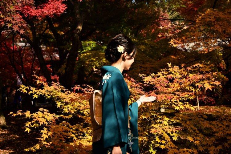 女子の卒業写真の撮り方を徹底解説!袴やポーズや適切時期を紹介19