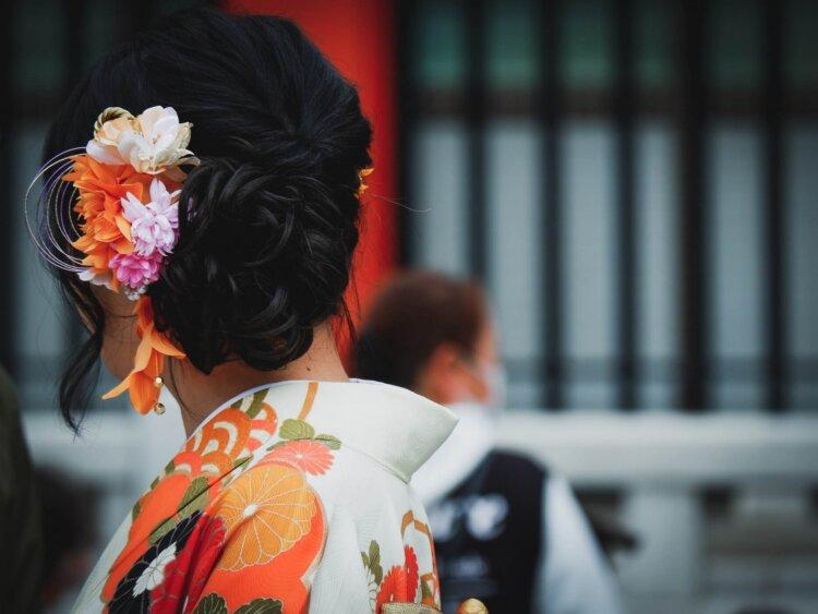 卒業写真は何を着る?適した服装を袴・スーツ・ドレス別に徹底紹介!19