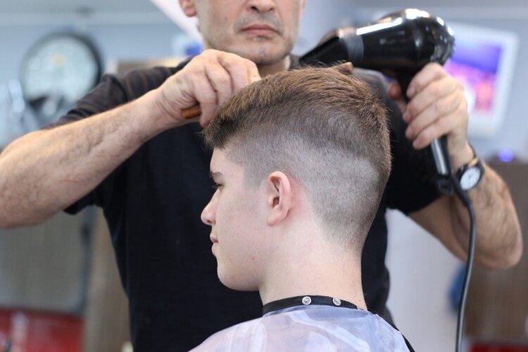 婚活男性必見!お見合い写真におすすめ前髪を女性の好感度が高いセット方法と共に紹介3
