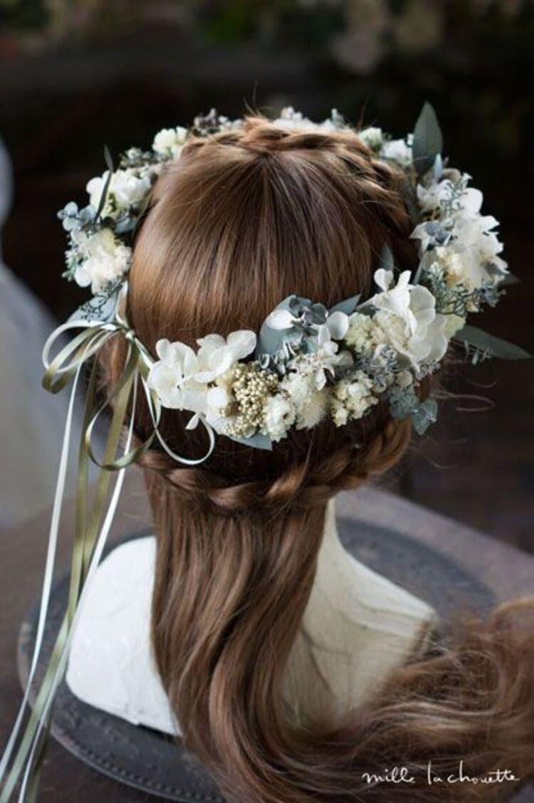 """フォトウェディングは""""花冠""""が人気!花の種類・花言葉・色・髪型を紹介6"""