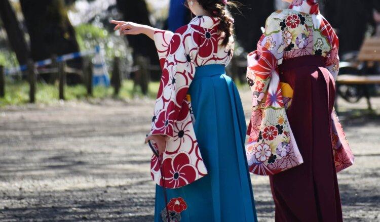 卒業袴は全身写真で残そう!全身撮影の準備物や撮り方を解説2