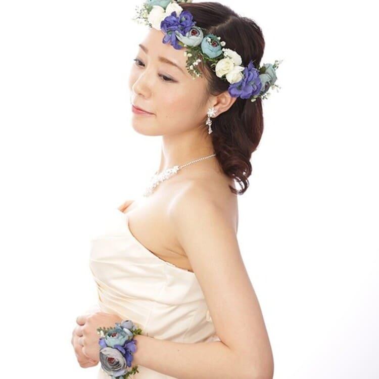 """フォトウェディングは""""花冠""""が人気!花の種類・花言葉・色・髪型を紹介4"""