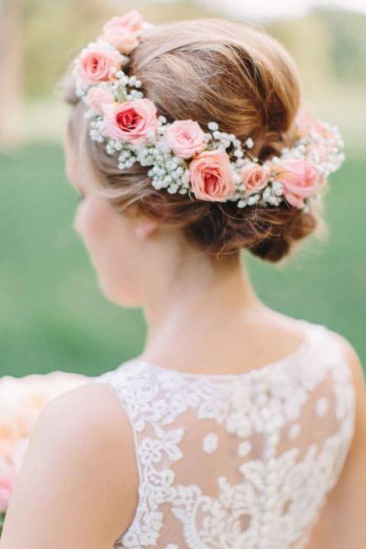 """フォトウェディングは""""花冠""""が人気!花の種類・花言葉・色・髪型を紹介11"""