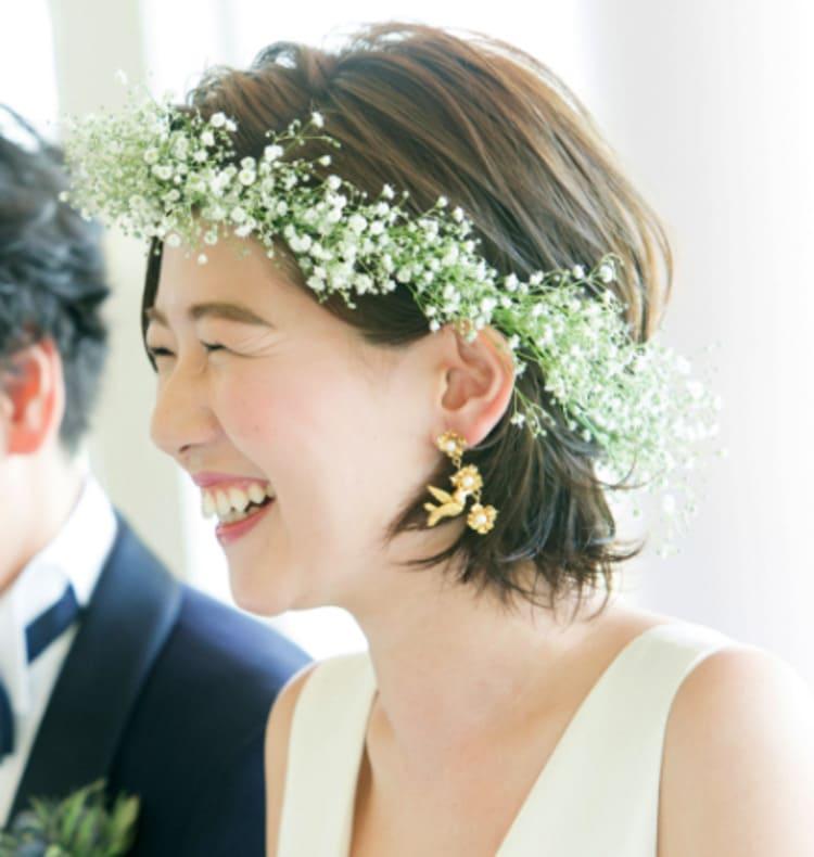 """フォトウェディングは""""花冠""""が人気!花の種類・花言葉・色・髪型を紹介23"""