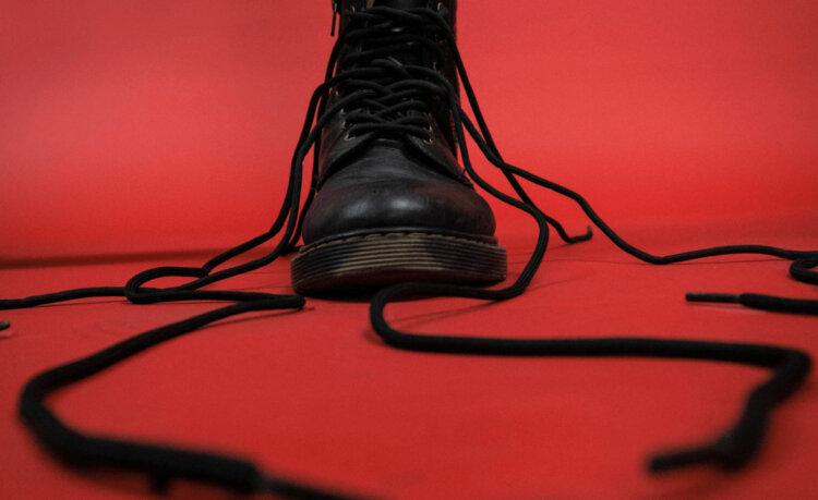 卒業袴写真ではブーツと草履どちらがおすすめ?丈の違いや相場まで解説3