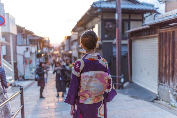 卒業袴は全身写真で残そう!全身撮影の準備物や撮り方を解説3