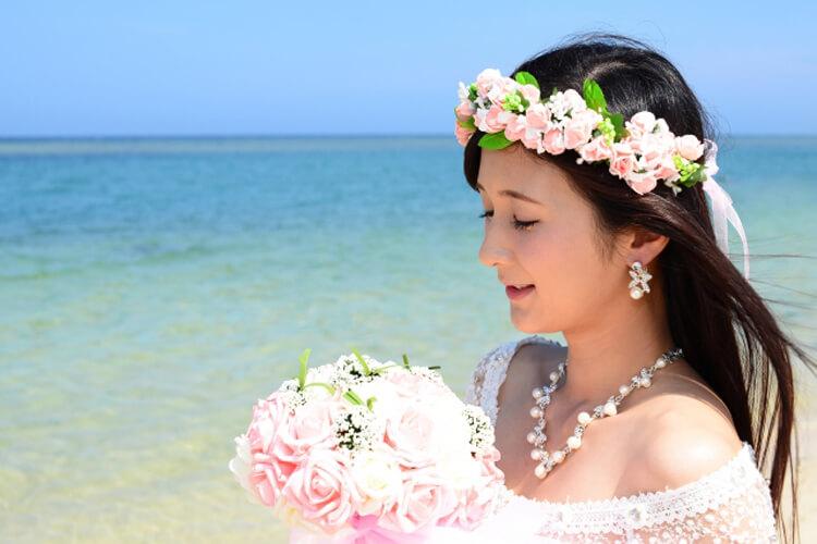 フォトウェディングで花嫁に人気のダウンスタイル集&ヘアアクセサリー10