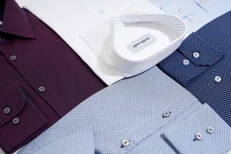 フォトウェディングのワイシャツ 襟の形・色・柄・ブランド・袖口から選ぶ3