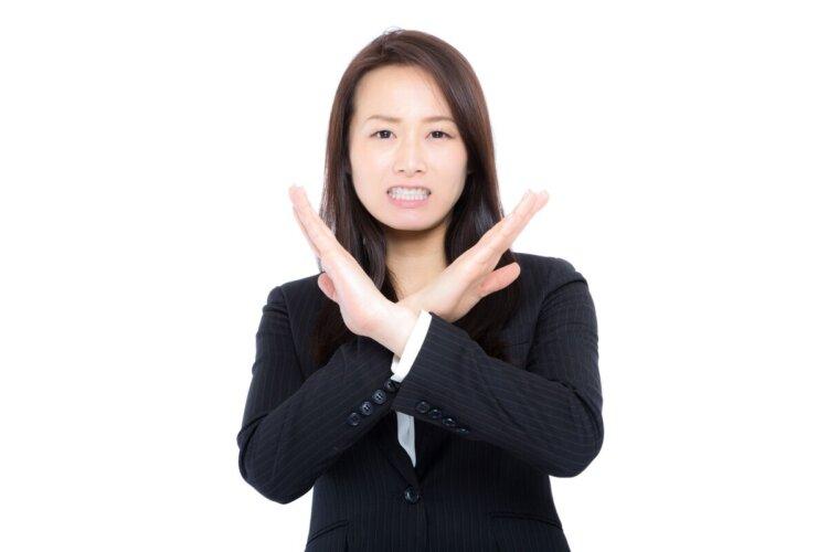 周りに劣らない!女性の就活写真でのスーツ選びや撮影時の注意点を解説2