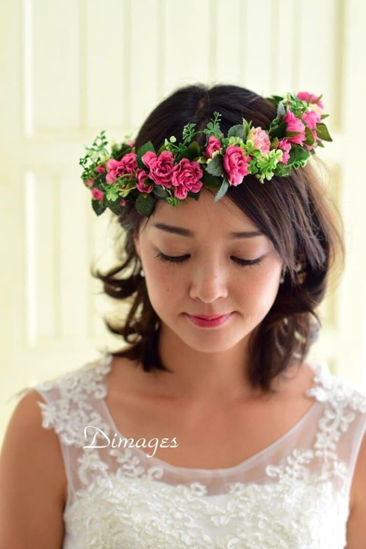 """フォトウェディングは""""花冠""""が人気!花の種類・花言葉・色・髪型を紹介15"""
