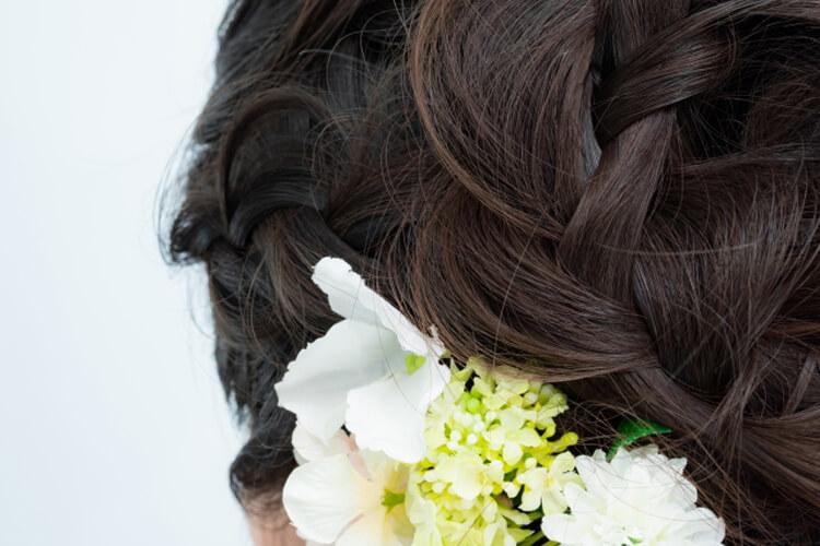 フォトウェディングで花嫁に人気のダウンスタイル集&ヘアアクセサリー3