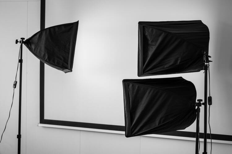 【総集編】遺影写真の撮り方選び方解説集!相場や適した服装まで4