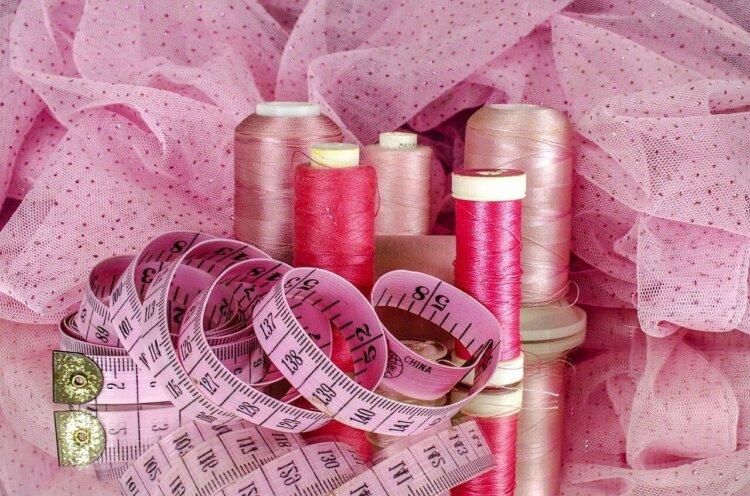 フォトウェディングの花嫁の衣装を購入!相場・注意点・購入の流れ・使い道・保管方法を紹介3