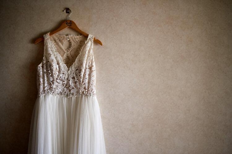 フォトウェディングの花嫁の衣装を購入!相場・注意点・購入の流れ・使い道・保管方法を紹介7