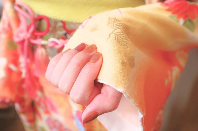 卒業写真は何を着る?適した服装を袴・スーツ・ドレス別に徹底紹介!6