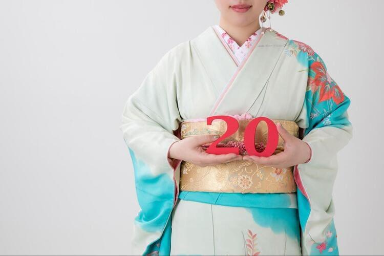 【成人式写真の服装事情を解説!男女別に衣装種類や家族の服装も紹介1