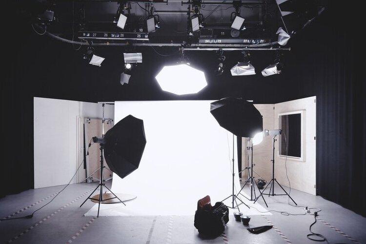 【総集編】遺影写真の撮り方選び方解説集!相場や適した服装まで11