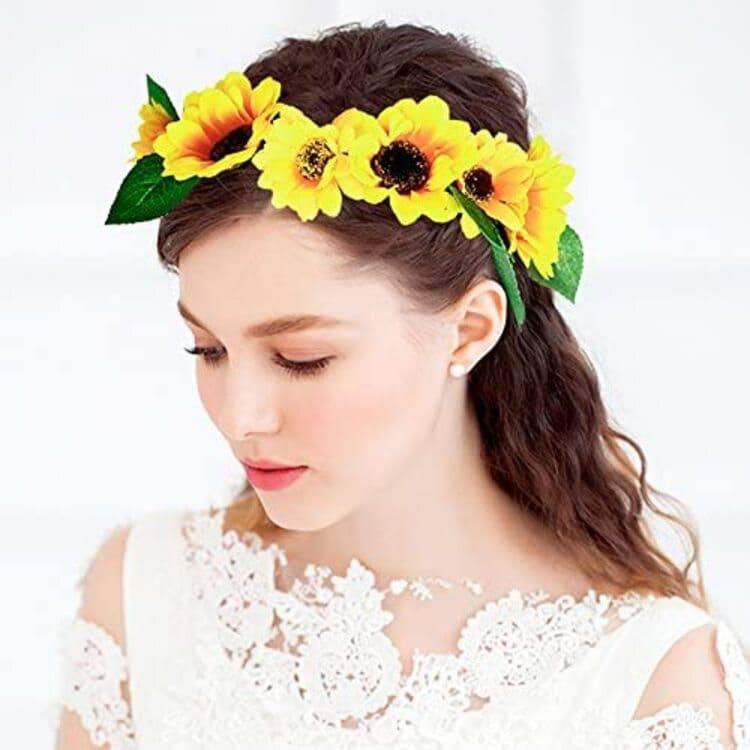 """フォトウェディングは""""花冠""""が人気!花の種類・花言葉・色・髪型を紹介21"""